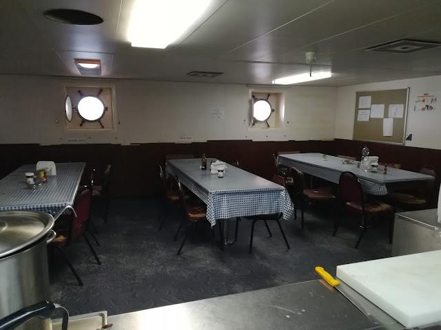 Mesa (jadalnia) na statku