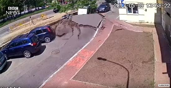 Esplosão tubulação agua Ucrania - Img 1