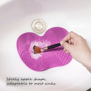 Image: Makeup Brush Cleaning Mat | Suitable for a thorough cleaning of various facial and eye makeup brushes
