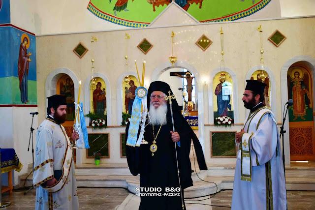 Θεία Λειτουργία από τον Μητροπολίτη Θηβών για την εορτή της Παναγίας της Μυρτιδιώτισσας στο Μαλαντρένι (βίντεο)