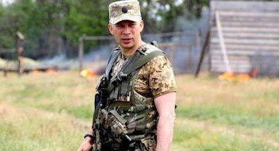 Порошенко назначил новым командующим ООС генерала Сырского