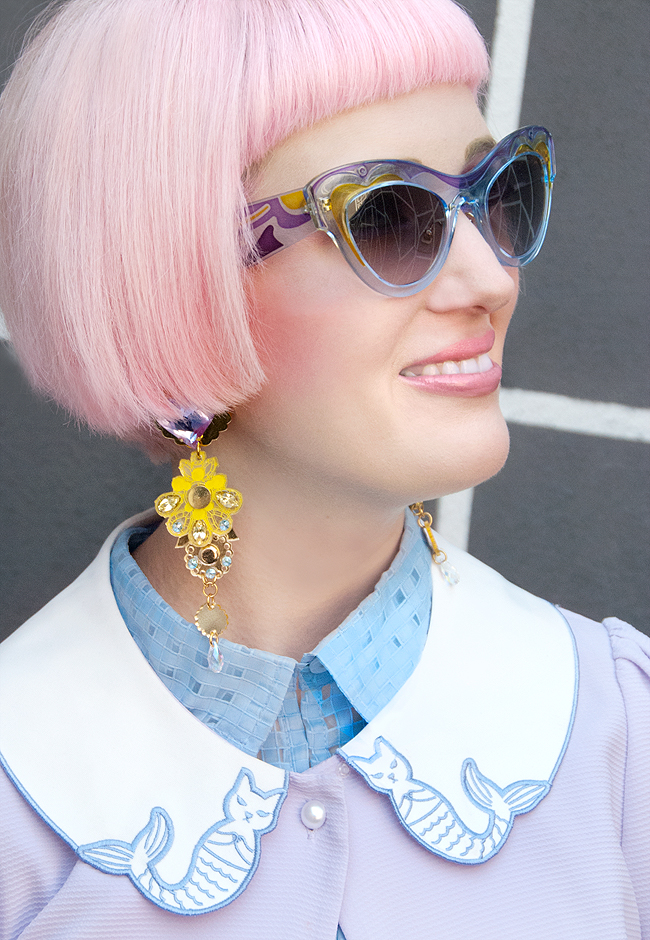 Miu Miu sunglasses, pink hair, blogger look