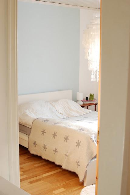 Integrar en un dormitorio actual 2 mesillas antiguas for Foro de decoracion facilisimo