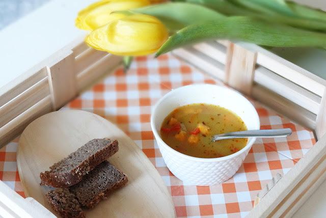 delikatna zupa po meksykańsku