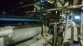 Gambar besi tua mesin pabrik