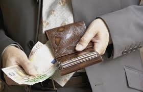 PO1 Ce porte monnaie sortie d'un seau de Génie fera office d'une part bouclier protecteur +229 62 01 78 96 dans amour