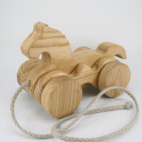 PA24, Wooden Pull along Horse, Lotes Toys