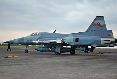 Pesawat F-5F TNI AU (photo : Efendy)