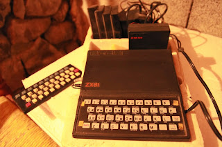 zx81 et le clavier d'extension pour zx81 photo du zx81