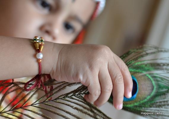 indian kids in krishna fancy dress