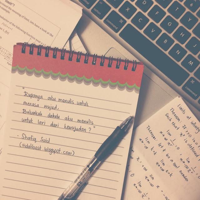 Oh Well, Saya Sudah Menulis 100 Artikel di Daily Blogger Pro. :)