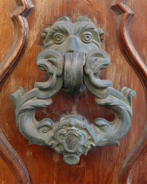 Door knocker in Via della Madonna, Livorno
