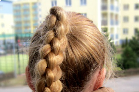 Warkocz z pięciu pasm na moich włosach - czytaj dalej »
