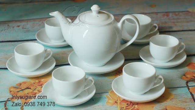 In logo lên ấm trà phong cách hiện đại
