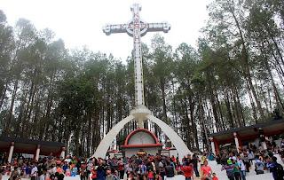 Tempat Wisata di  Sumatera Utara salib kasih