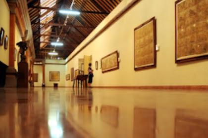 Museum Puri Lukisan Menyimpan Seni Lukis Gaya Batuan
