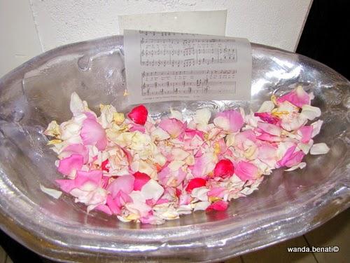 Petali di rosa per la degustazione olfattiva