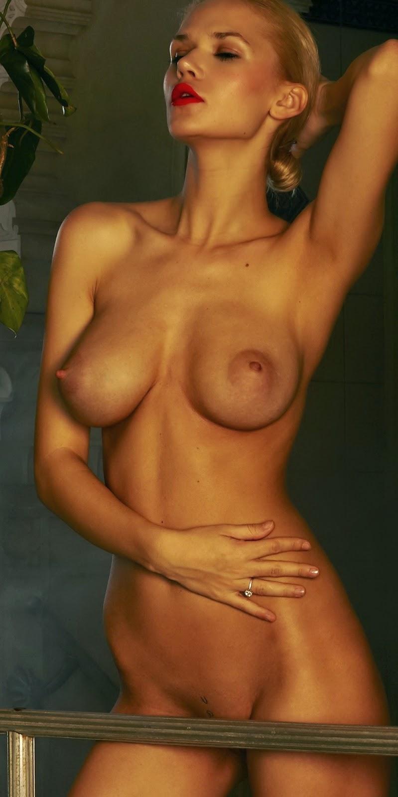 Sara Kulka Playboy