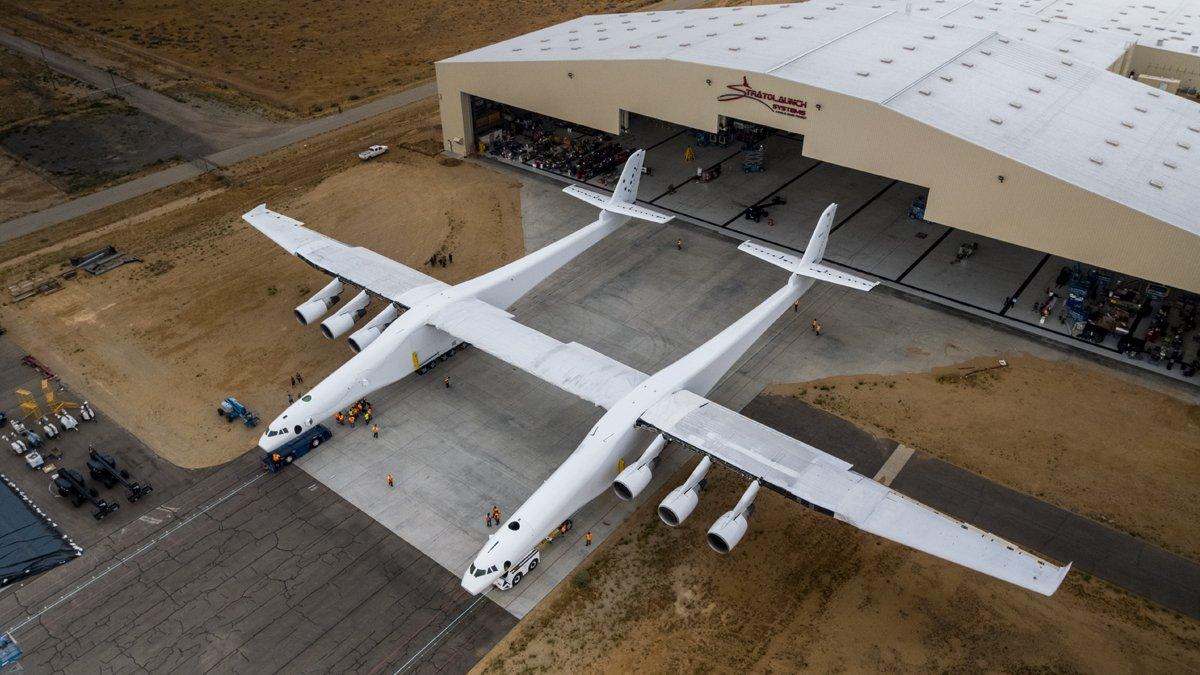Paul Allen Shows Off World's Largest Airplane