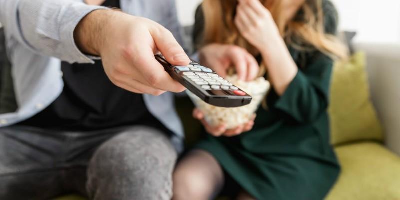 「線上看電視」網頁版﹍沒看第四台後的選擇,除了 Youtube 直播新聞還有「隨選隨看」完整節目頻道彙整