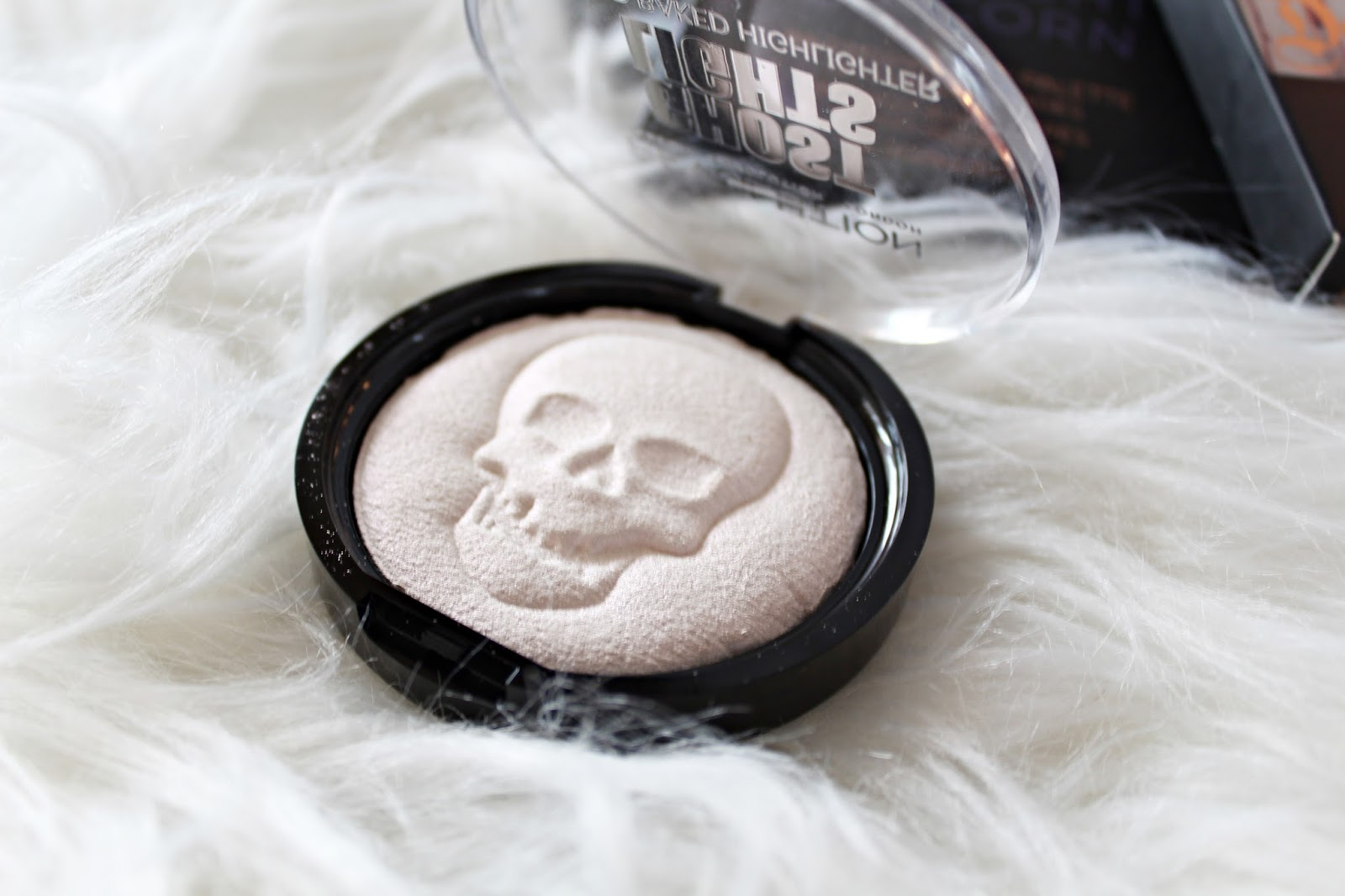 Ghost Lights VIVID baked Highlighter