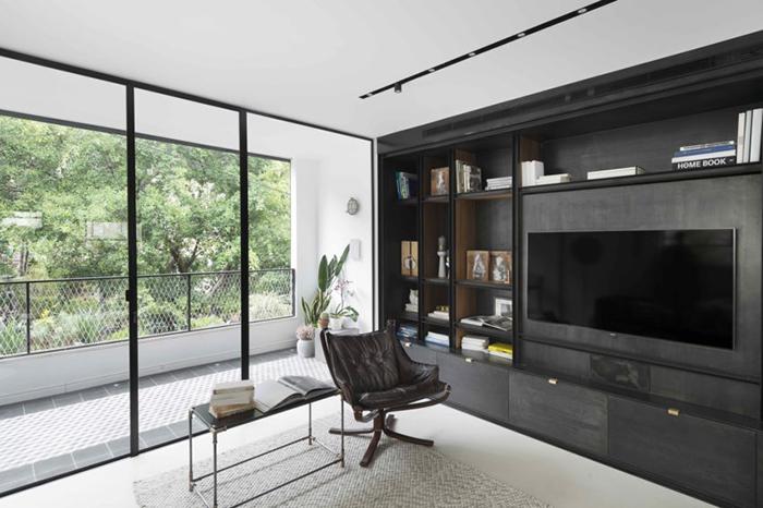 Thiết kế nội thất căn hộ chung cư 150m2 với hai màu đen trắng- 2