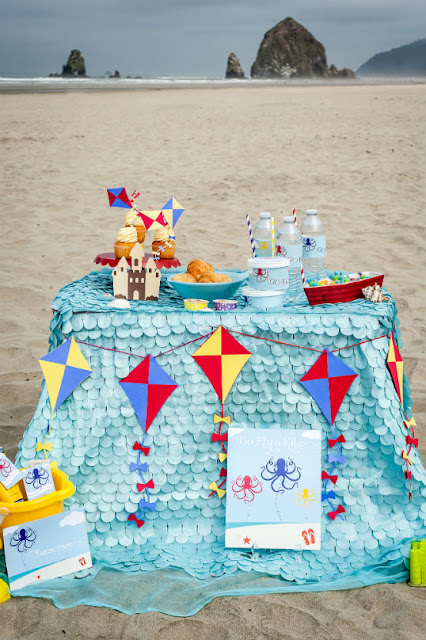 Kite Flying party on Cannon Beach. Styled by www.fizzyparty.com
