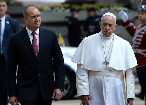 Most a bolgároknak üzent Frenc pápa, mert nem engedik be a migránsokat
