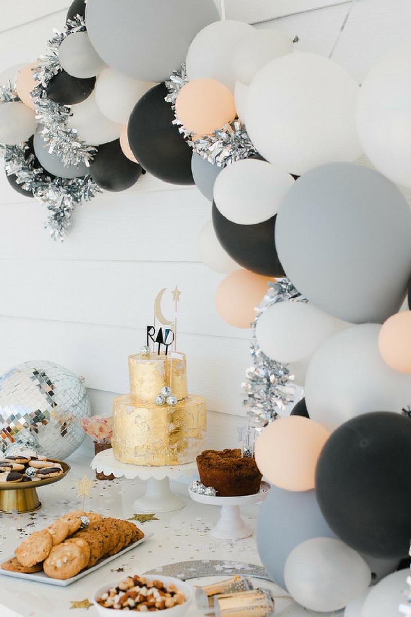 Black balloons party by Habitan2 | Decoración handmade para hogar y eventos | Personalización de eventos