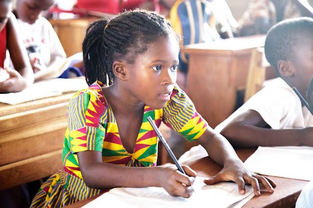 ガーナ 学校 子ども 写真 Ghana  school kids picture