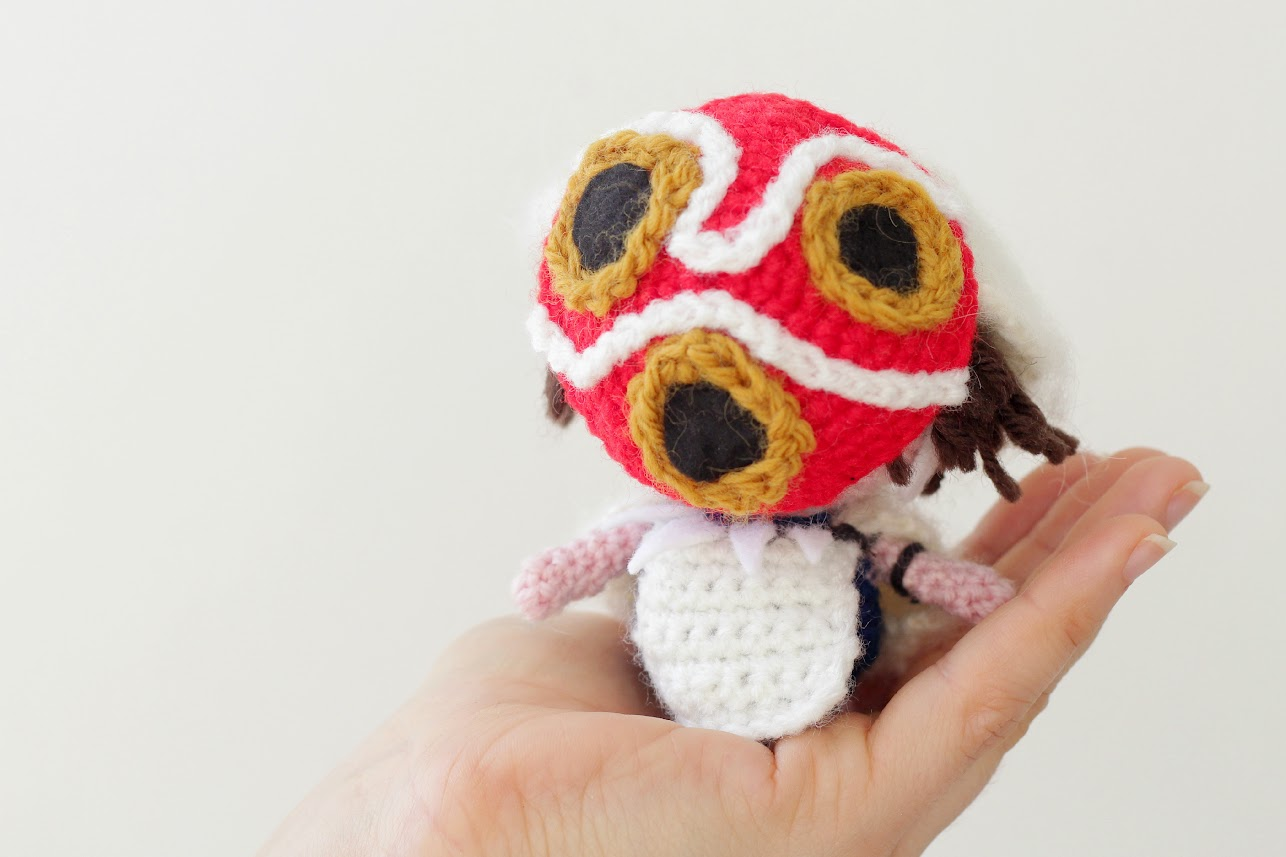 Amigurumi princess mononoke free pattern with mask on by The Sun and the Turtle