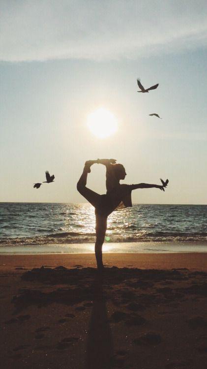 practicar yoga sunday time chicanddeco
