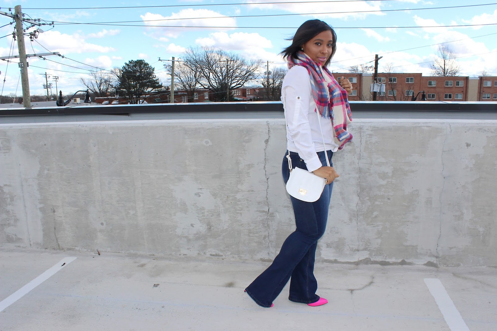 plaid scarf, pink, pink outfits, how to wear pink, flare denim, pink shoes