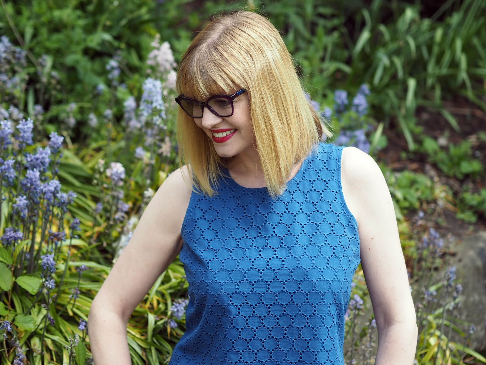 What-Lizzy-Loves-wearing-purple-Caroline-Abram-frames-Style-Colours-photochromic-lenses-sapphire-blue-Transitions