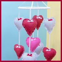 Móvil de corazones
