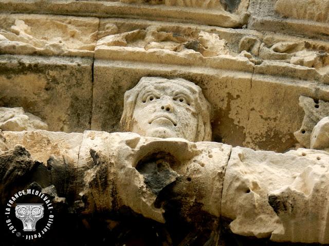 SAINT-PAUL-TROIS-CHATEAUX (26) - Cathédrale romane Notre-Dame (Extérieur)