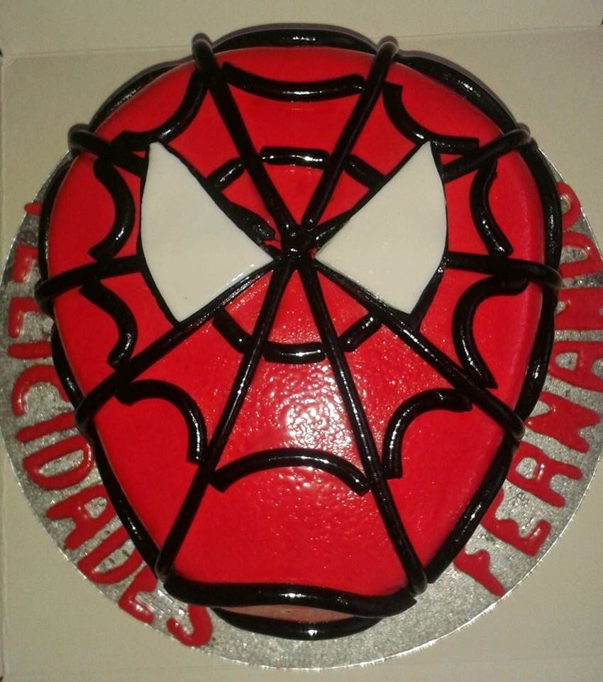 TARTA  FONDANT DE SPIDERMAN