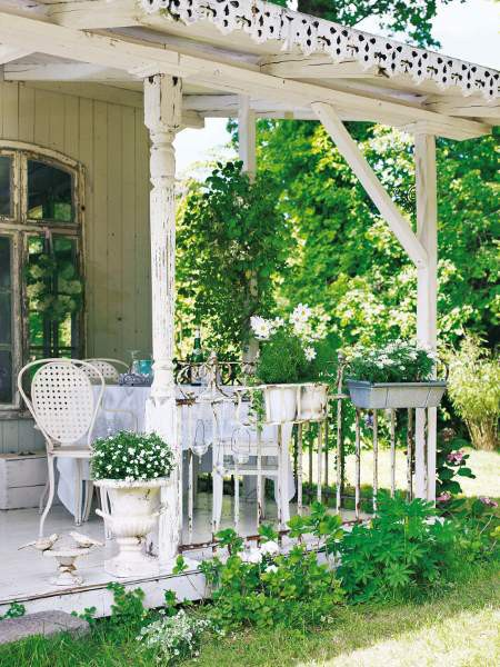 country porches dreams shabby chic gardens white. Black Bedroom Furniture Sets. Home Design Ideas