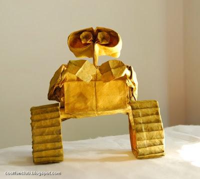 Robot de papel Papiroflexia u origami.