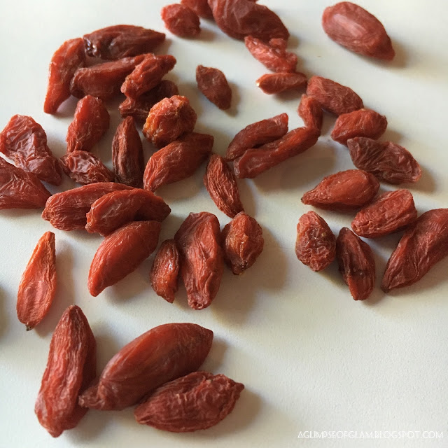 Superfoods Goji Berries - Andrea Tiffany A Glimpse of Glam