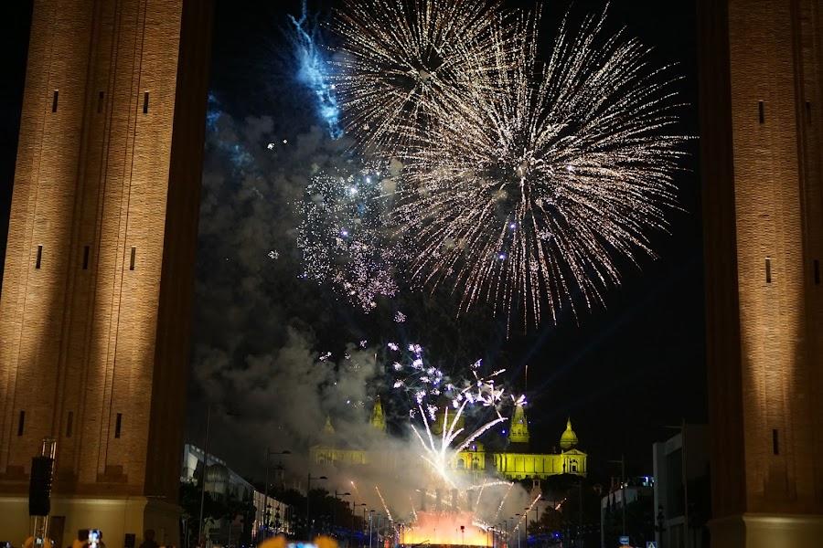 花火と噴水と音楽のショー  (Piromusical dins els actes de  les Festes de la Mercè 2015)