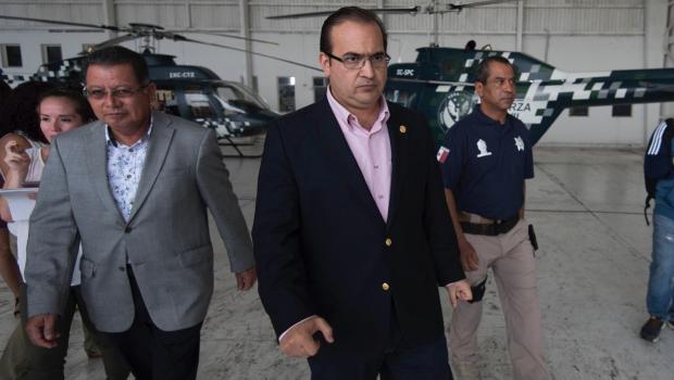 Empresario confiesa que pagaba tarjeta de crédito a esposa de Duarte