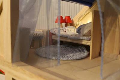 kocyk, poduszka i dywan na szydełku