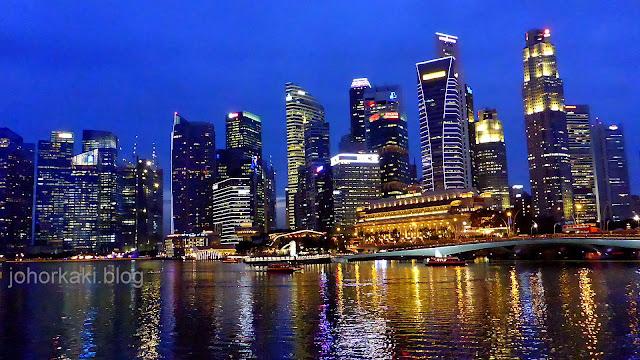 Singapore-Skyline-Esplanade