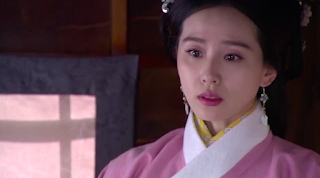 Liu Shi Shi and Huang Xuan in popular cdrama Imperial Doctress