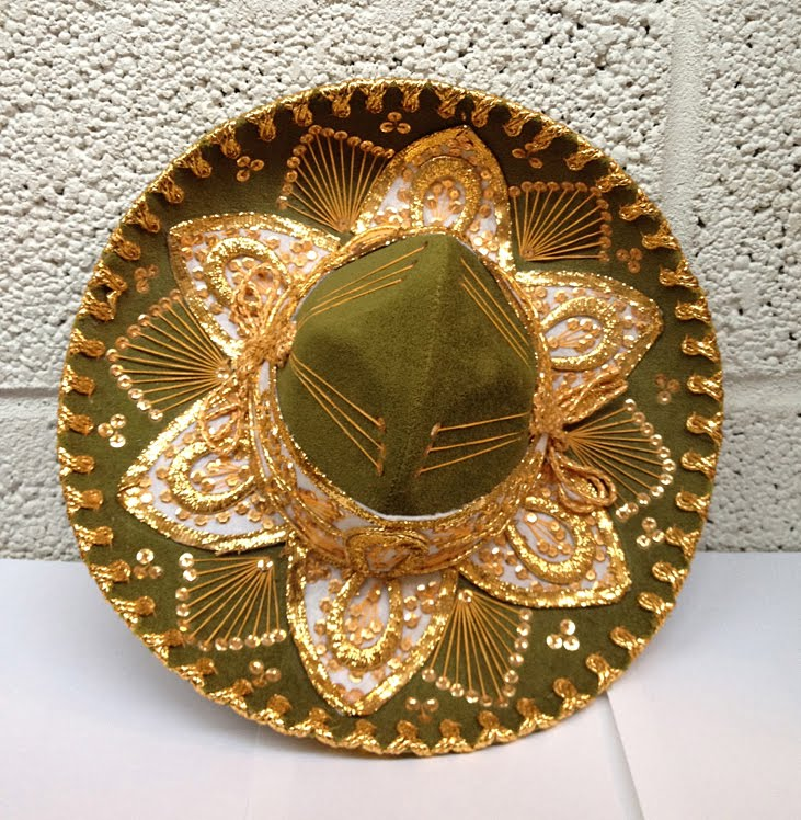 5f2030845 a crazy sombrero in green and gold... Olé!