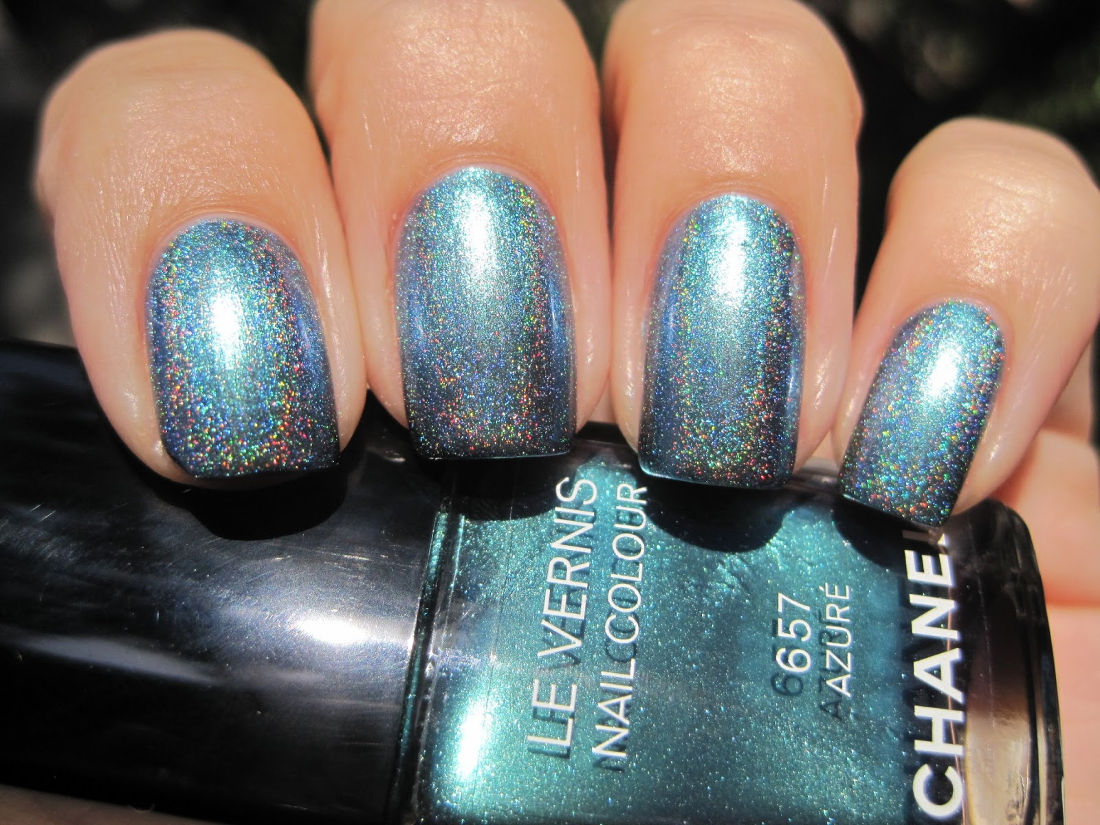 Sparkly Vernis: Chanel Azure is a color shifting pearly turquoise