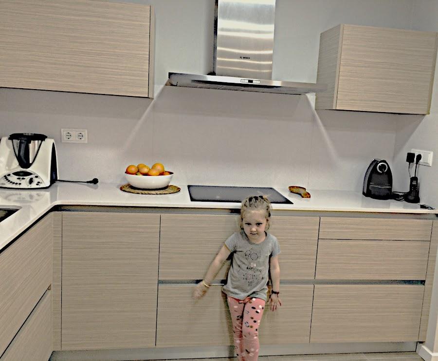 El toque verde o vivo en este caso además de la fruta fresca, lo dan los peques de la casa