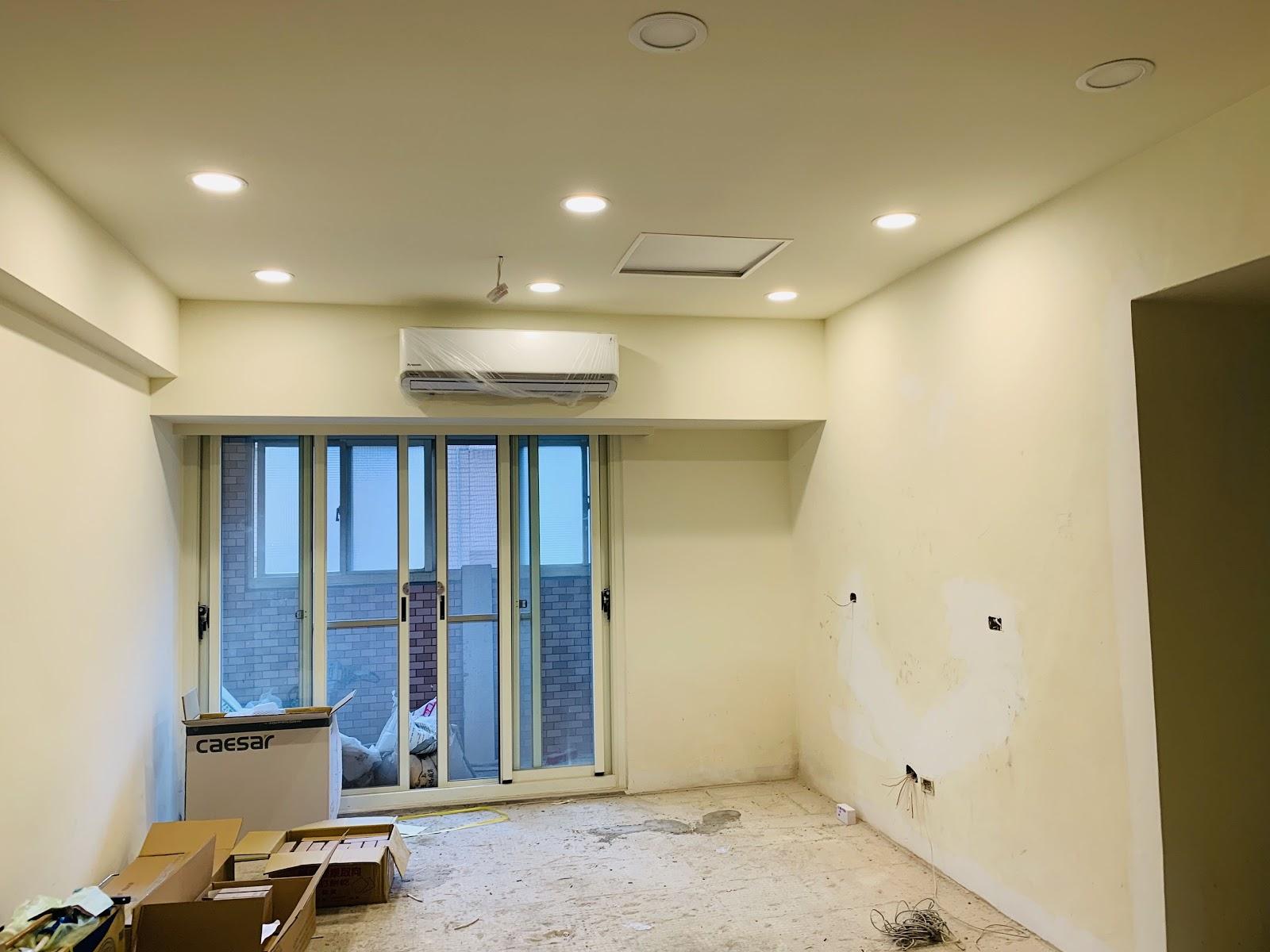 客廳裝設崁燈測試