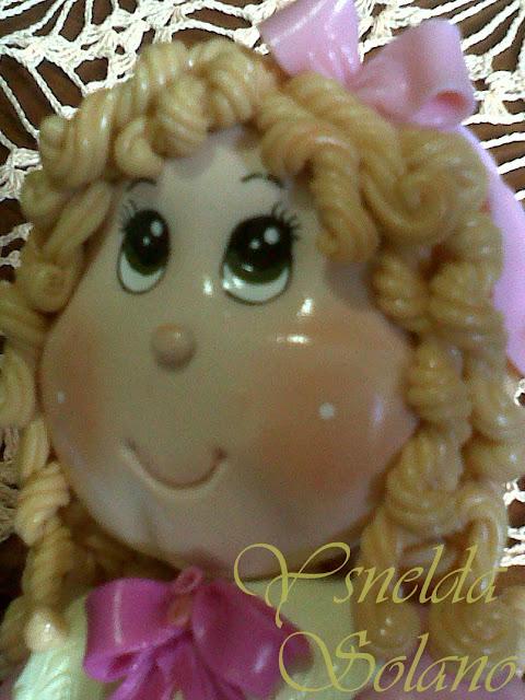 Lampara-decorada-con-Muñeca-en-Porcelana-Fría